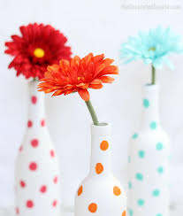 How To Paint A Flower Vase Painted Polka Dot Wine Bottle Vases An Easy Diy Home Decor Craft
