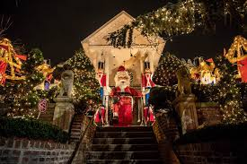 dyker heights holiday lights photos the totally insane dyker heights christmas decorations