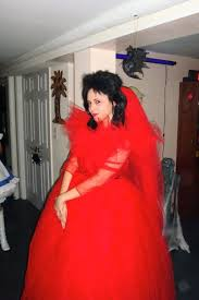 lydia beetlejuice wedding dress lydia deetz