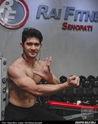 aktor film laga terbaik indonesia aktor laga harus mengutamakan postur tubuh reps indonesia