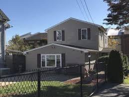 2 Bedroom Apartments In Fall River Ma 44 46 Brayton Ave Fall River Ma 02721 Realtor Com