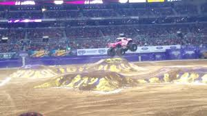 monster truck jam st louis monster jam st louis february 1 2014 madusa youtube