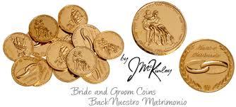 arras de oro arras para boda chapadas en oro con imagen de los novios en frente