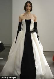 avril lavigne black wedding dress and the wore black from avril lavigne to shenae grimes