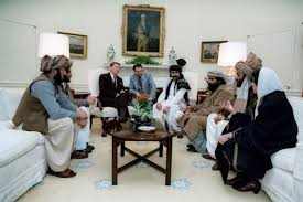 Oval Office Pics Ronald Reagan Meeting With The Afghan Mujahideen Leaders The Oval