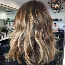 Caramel Hair Color With Honey Blonde Highlights 45 Ideas For Light Brown Hair With Highlights And Lowlights