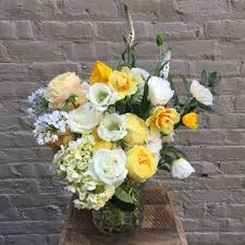 balloon delivery charlottesville va charlottesville florist flower delivery by hedge blooms