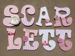 buchstaben kinderzimmer holzbuchstaben kinderzimmer mädchen kinderzimmer buchstaben