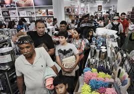 shoppers mobilize on thanksgiving as retailers branch out daily