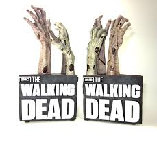 Be Right Back Bookend The Walking Dead Product Review Walking Dead Zombie Hand Bookends