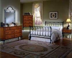 Cherry Wood Sleigh Bedroom Set Hillsdale Camelot Metal Bedroom Collection With Cherry Cases B171