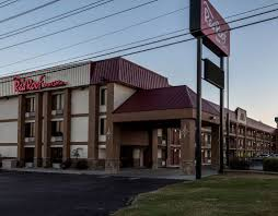 Comfort Suites In Pigeon Forge Tn Red Roof Inn U0026 Suites Pigeon Forge Parkway Pigeon Forge Motels