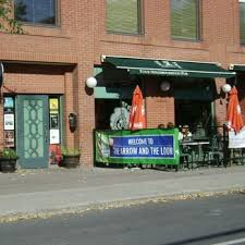 Ottawa Awning The Arrow And The Loon 11 Reviews Pubs 99 5th Avenue Ottawa