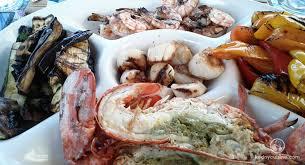 assiette cuisine assiette de fruits de mer et légumes sur le grill kedny cuisine