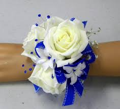white blue ribbon florist cart 7202 beautiful white roses white hyacinth royal blue