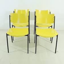 chaises jaunes chaises jaunes 1960s set de 4 en vente sur pamono
