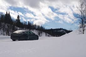 how well does a tesla model s rear wheel drive in the wintery