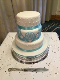 wedding cake with a vw bus for a topper cakes u0026 things i u0027ll