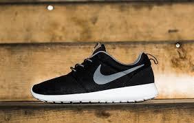 rosha runs nike roshe run trainers in black cool grey and white