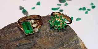 green gemstones rings images Emerald jewelry and gemstone information guide for consumers jpg