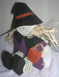 learn how to make a wood halloween witch decoration trishscrafts com
