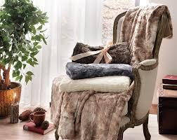 Oversized Faux Fur Throw Amazon Com Brielle Faux Fur Oversized Throw 50