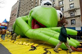 muppets to lead macy s thanksgiving day parade