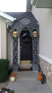 spirit halloween displays 543 best halloween large scenery sets images on pinterest