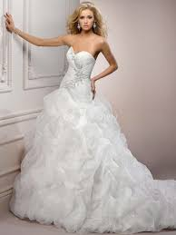 all things we love and do best wedding dress for each body type