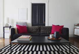 Black White Striped Rug Tip Of The Week When It Comes To Rugs Think Striped Décor Aid