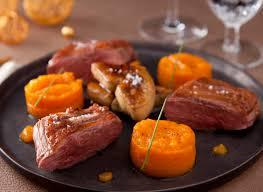 cuisiner magret de canard poele recette magret de canard et foie gras poele vichy celestins