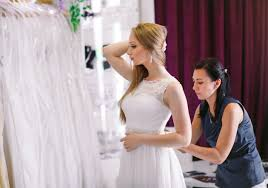 worst bride ever asked bridesmaids to chip in for 7 9k wedding