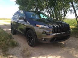 jeep suv 2014 jeep cherokee 4x4 vs nissan rogue awd best all terrain commuter