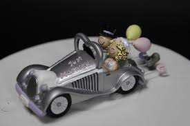 car wedding cake toppers wedding cake topper get a way car cake toppers