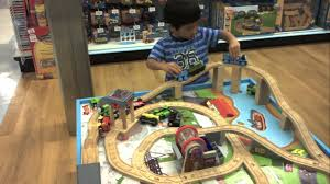 thomas the train wooden track table thomas the train wooden railway table playset toys r us youtube
