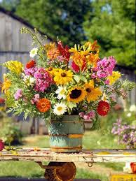 wedding flowers for guests 19 lovely summer wedding centerpiece ideas will amaze your guests