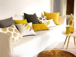 coussin sur canap gris coussins pour canape couleur de coussin pour canape gris clair