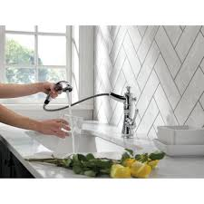 delta cassidy single handle pull out kitchen faucet 4197 rb dst delta faucet 4197 dst cassidy polished chrome pullout spray