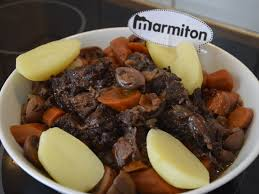 cuisiner joue de porc joue de boeuf à la bourguignonne recette de joue de boeuf à la