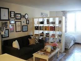 amenager chambre dans salon comment cloisonner l espace chambre dans le studio