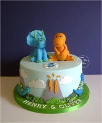 dinosaur cakes best 25 dinosaur cake ideas on dino cake dinosaur