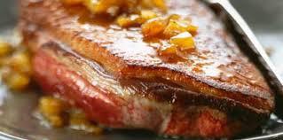 cuisiner un filet de canard filets de canard aux mangues facile recette sur cuisine actuelle