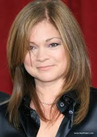 valerie bertinelli mid length haircut for an over 40 years old woman