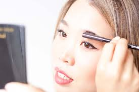 How To Color In Eyebrows How To Fill In Eyebrows Revealmystyle