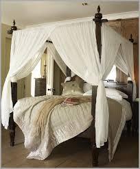 chambre lit baldaquin inspirant lit baldaquin romantique décor 1030192 lit idées