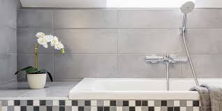 How To Scrub Bathtub How To Deep Clean Your Bathroom In 30 Minutes Or Less