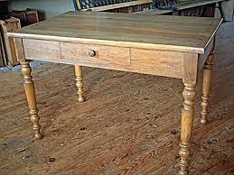 le de bureau ancienne table bureau pieds tournés en chene tiroir en façade rustique