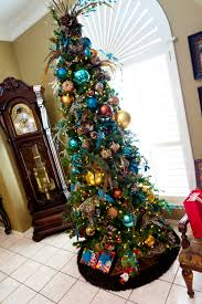 xmas tree decorating ideas with unique gold blue and green