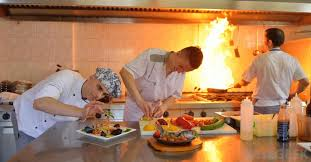 sous chef de cuisine definition what is a chef de partie with pictures