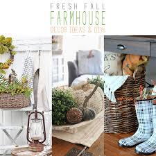 fresh fall farmhouse decor ideas and diy u0027s on farmhouse friday